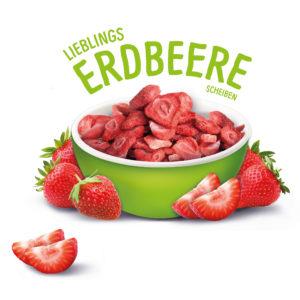 Gefriergetrocknete Erdbeerscheiben im Schälchen