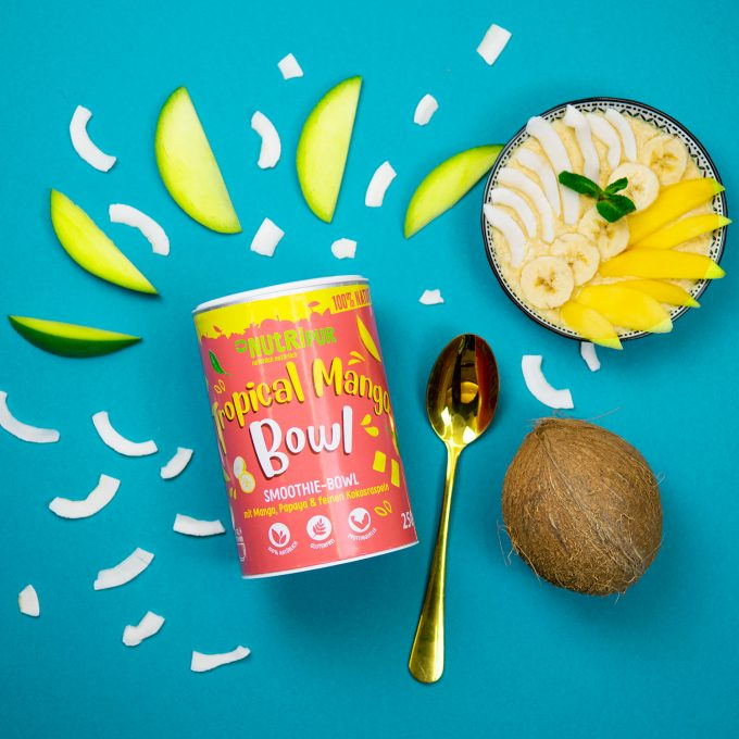 Smoothie Bowl Tropical Mango Kokos Haferflocken Super Food natürlich
